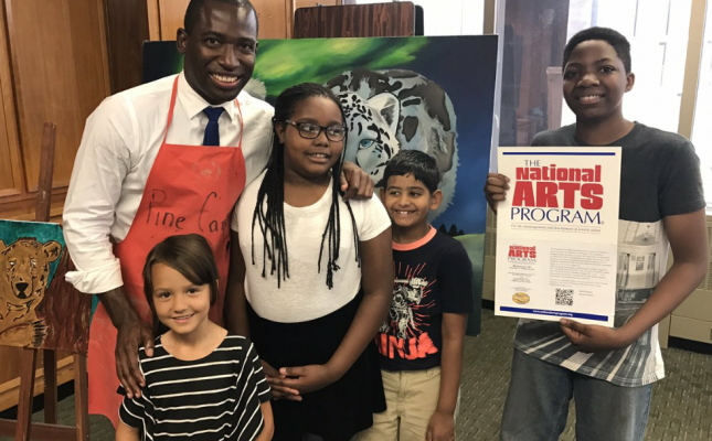 Mayor Levar Stoney promoting the NAP with help from a few Richmond youth artists.